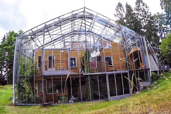 Naturhuset ingar une maison bioclimatique dans une serre g ante - La maison bioclimatique ...